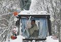 Киев накрыл снегопад - уборка снега