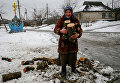 Пожилая жительница села в Украине