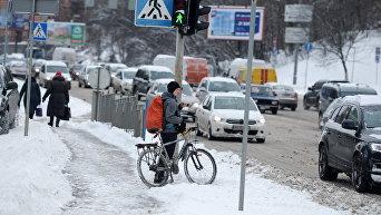 Последствия снегопада в Киеве. Архивное фото