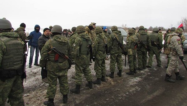 На месте конфликта между участниками торговой блокады Донбасса и полицией