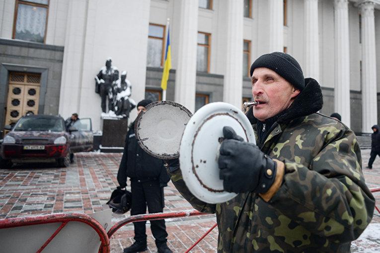 Протест вкладчиков банка Михайловский под Радой