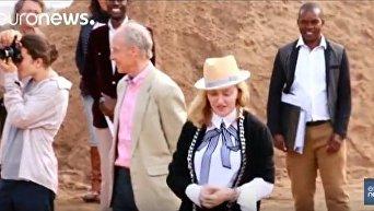 Мадонне разрешили усыновить двойняшек из Малави