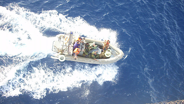 Освобождение захваченного пиратами судна. Архивное фото