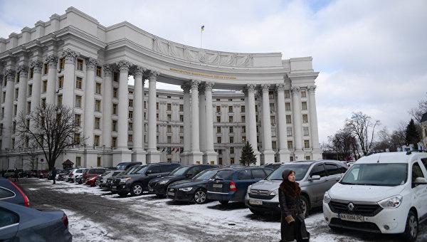 Порошенко возмущен актом вандализма депутата Рады упосольства Германии
