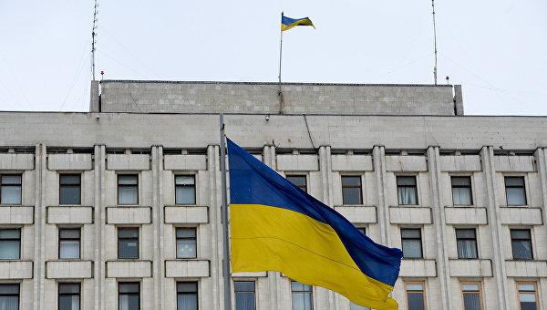 Флаг Украины на здании ЦИК