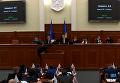 Кличко вручили повестку в суд прямо на заседании Киевсовета. Видео