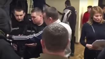 Драка в Киевсовете из-за скандальной стройки на Героев Днепра