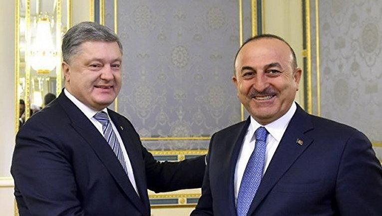 Президент Украины Петр Порошенко провел встречу с министром иностранных дел Турецкой Республики Мевлютом Чавушоглу в Киеве