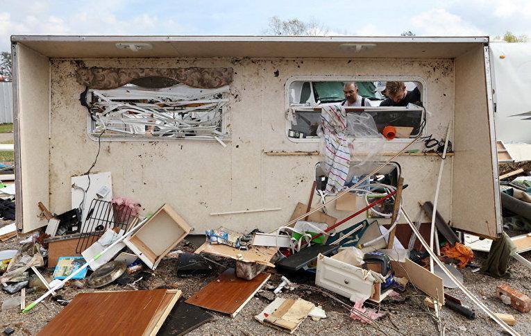 Трамп поручил помогать пострадавшим отторнадо вЛуизиане
