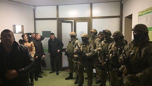 Обыски вВолынском облсовете: силовики пришли поделу одобыче янтаря