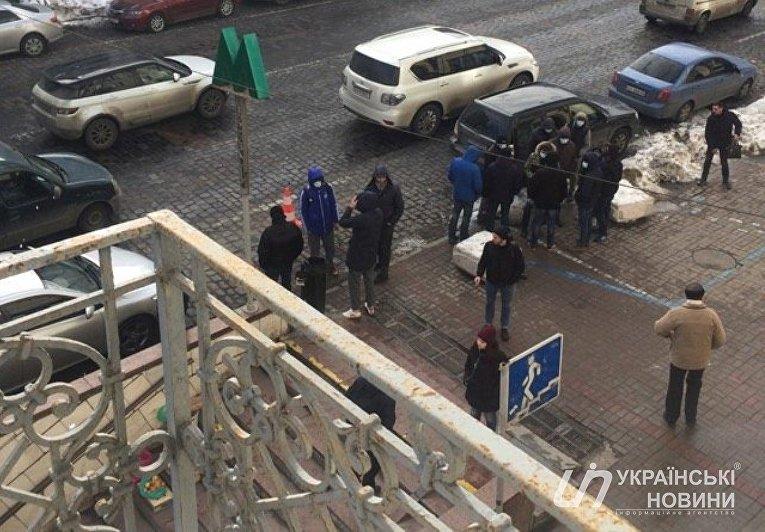 Конфликт перед пресс-конференцией Владимира Вятровича в Киеве