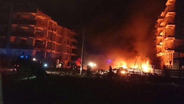 Взрыв заминированного автомобиля в Турции