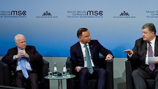 Маккейн: жители России убивают украинцев ежедневно, просто убивают