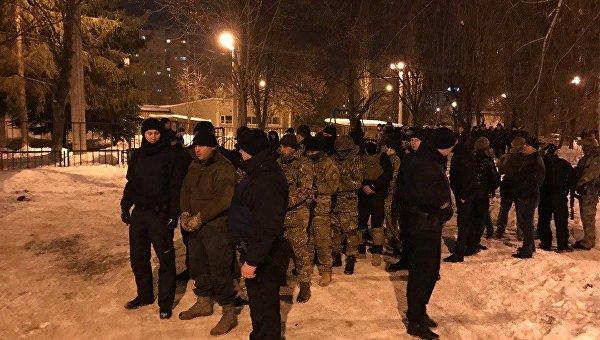 Стрельба между активистами, полицией идобробатом,— СМИ (дополняется)