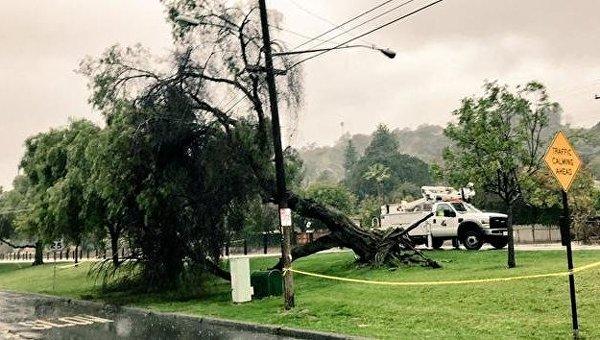 Последствия сильного шторма в Калифорнии