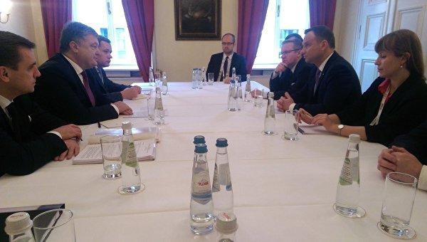 Порошенко: Украина ценит принципиальную позицию Польши по«Северному потоку-2»
