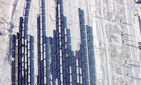 Десятки составов с углем стоят в Дебальцево