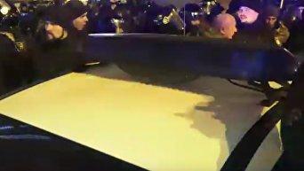 Задержание лидера ОУН Кохановского во время столкновений в Киеве. Видео