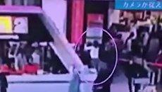 Кадры нападения на Ким Чен Нама в аэропорту Куала-Лумпура. Видео