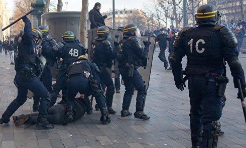 Акция протеста в Париже