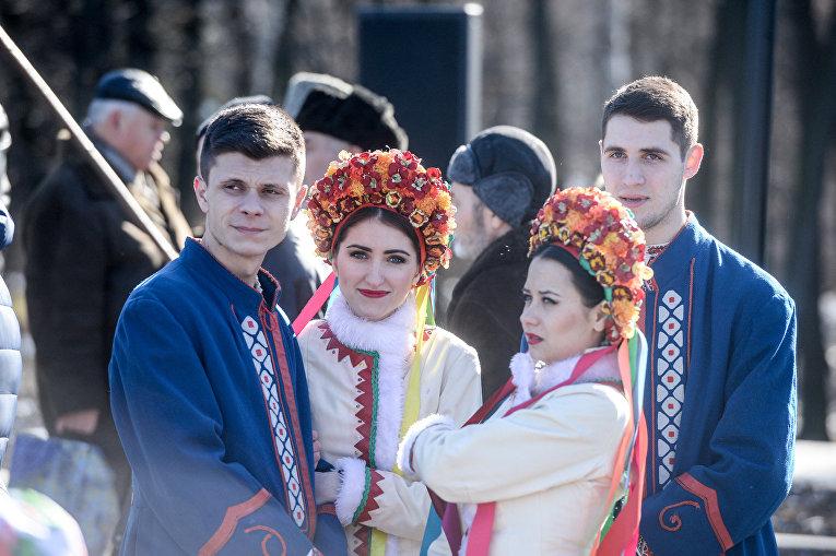 Монумент Елене Телиге откроют вдень рождения Леси Украинки