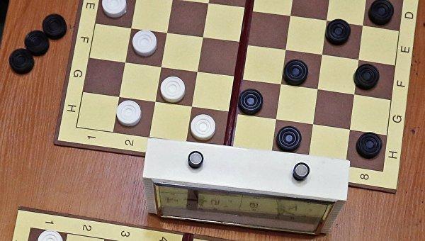 Турнир по шашкам. Архивное фото