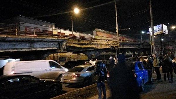 Кличко объяснил обрушение моста вКиеве «усталостью отвремени»