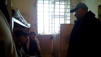 Владимир Рубан и Надежда Савченко в колонии в Макеевке