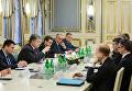 Президент Украины Петр Порошенко обсудил с главой МИД ФРГ Зигмаром Габриэлем