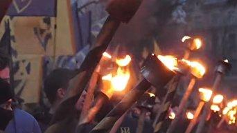 Факельное шествие Национального корпуса в честь Романа Шухевича во Львове. Видео