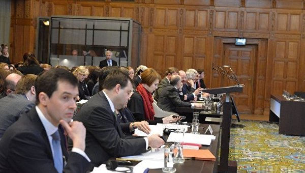 Судьи во время слушания по делу слушания дела по жалобе Украины против России в Международном суде ООН