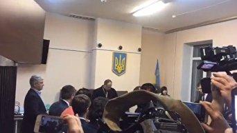 Оглашение решения суда по избранию меры пресечения Роману Насирову. Видео