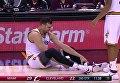 Американский баскетболист сломал ногу на первой минуте дебютного матча