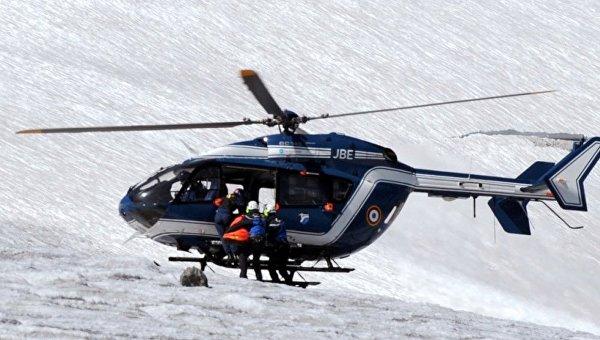 Сход лавины в Альпах