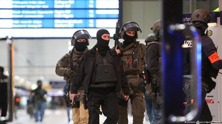 Нападение с топором на вокзале в Дюссельдорфе