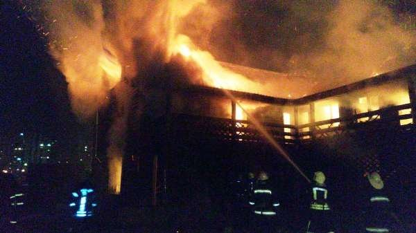 Крупный пожар на Троещине в Киеве