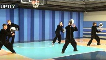Баскетбол в стиле тай-чи: китайские мастера объединили лечебную гимнастику и спортивную игру