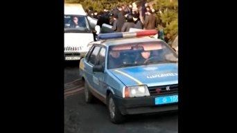 В Харьковской области местные жители разогнали участников угольной блокады. Видео