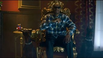 Рэпер Snoop Dogg застрелил Трампа в новом клипе