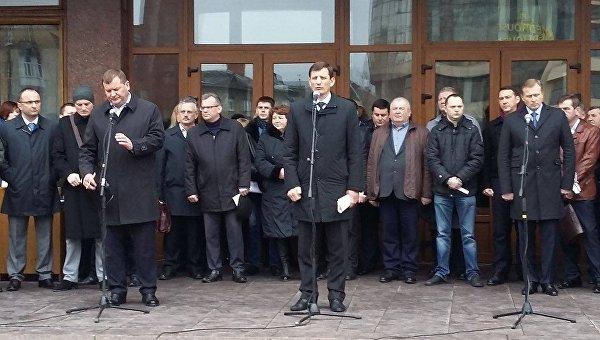 Ивано-Франковский облсовет официально поддержал блокаду Донбасса