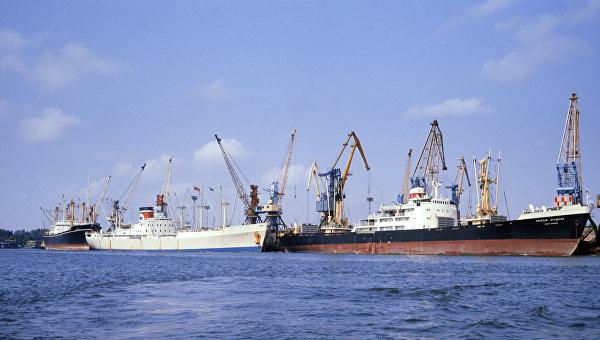 Корабли в Херсонском морском торговом порту
