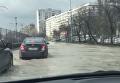 Заплыв автомобилей на столичной Борщаговке. Видео