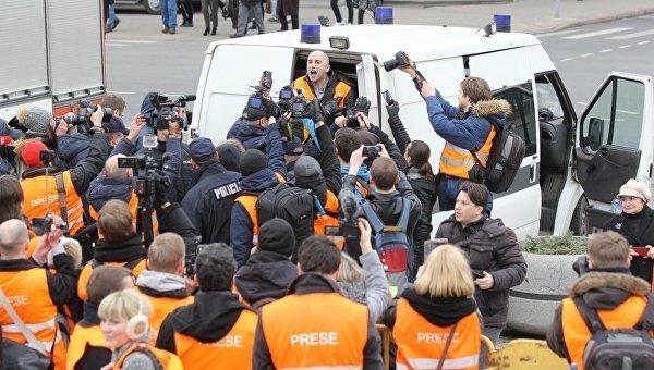 В Риге во время шествия легионеров СС задержан журналист Филлипс