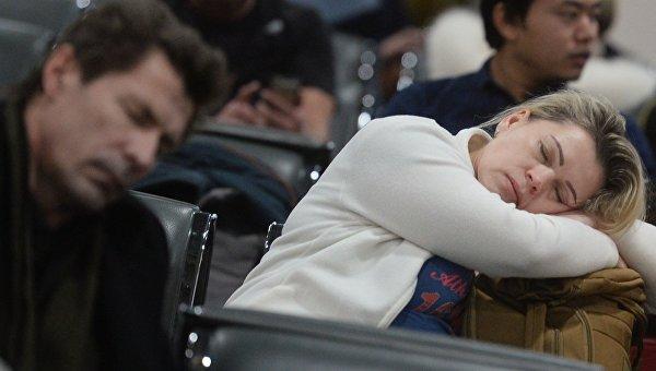 Спящий пассажир. Архивное фото