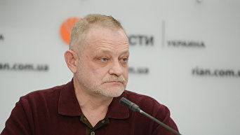 Политолог, руководитель аналитического Центра Третий сектор Андрей Золотарев.