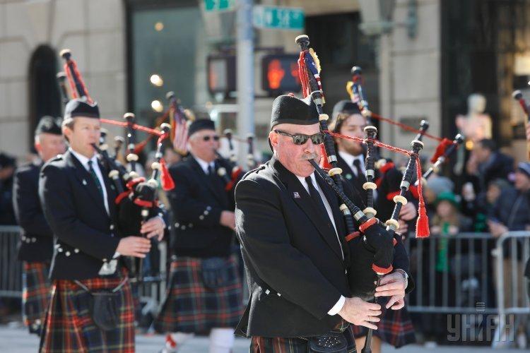 Парад в честь святого Патрика в Нью-Йорке
