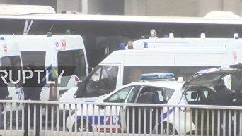 На месте стрельбы в парижском аэропорту