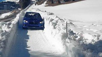 Каскадер испытал спорткар Subaru на бобслейной трассе. Видео