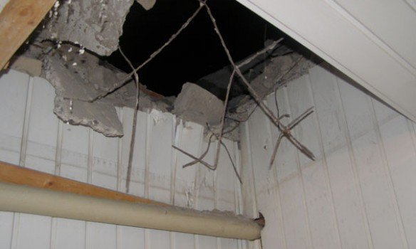 Здание полиции в Ровно обстреляли из гранатомета