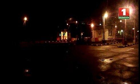Прорыв джипа через белорусскую границу. Видео